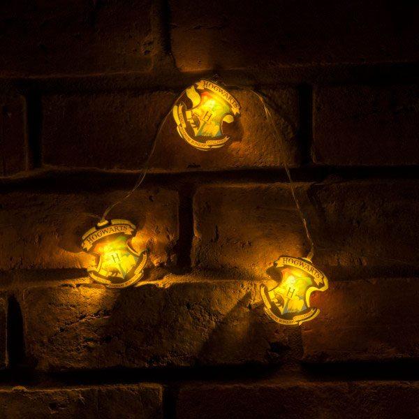 harry potter lumieres de noel hogwarts crests. Black Bedroom Furniture Sets. Home Design Ideas