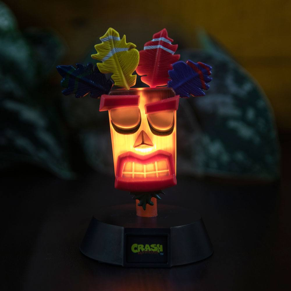 Photo du produit CRASH BANDICOOT VEILLEUSE 3D ICON AKU AKU 10 CM