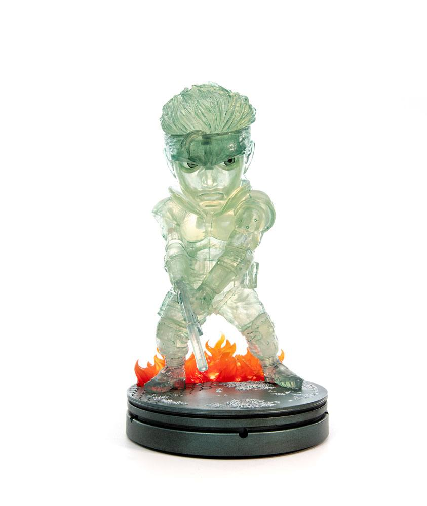 Photo du produit METAL GEAR SOLID STATUETTE PVC SD SOLID SNAKE STEALTH CAMOUFLAGE VER. 20 CM
