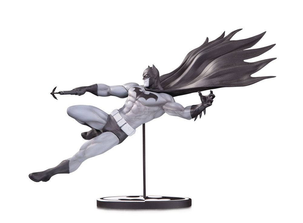 Photo du produit BATMAN BLACK & WHITE STATUETTE BATMAN BY DOUG MAHNKE 18 CM / EDITION LIMITEE