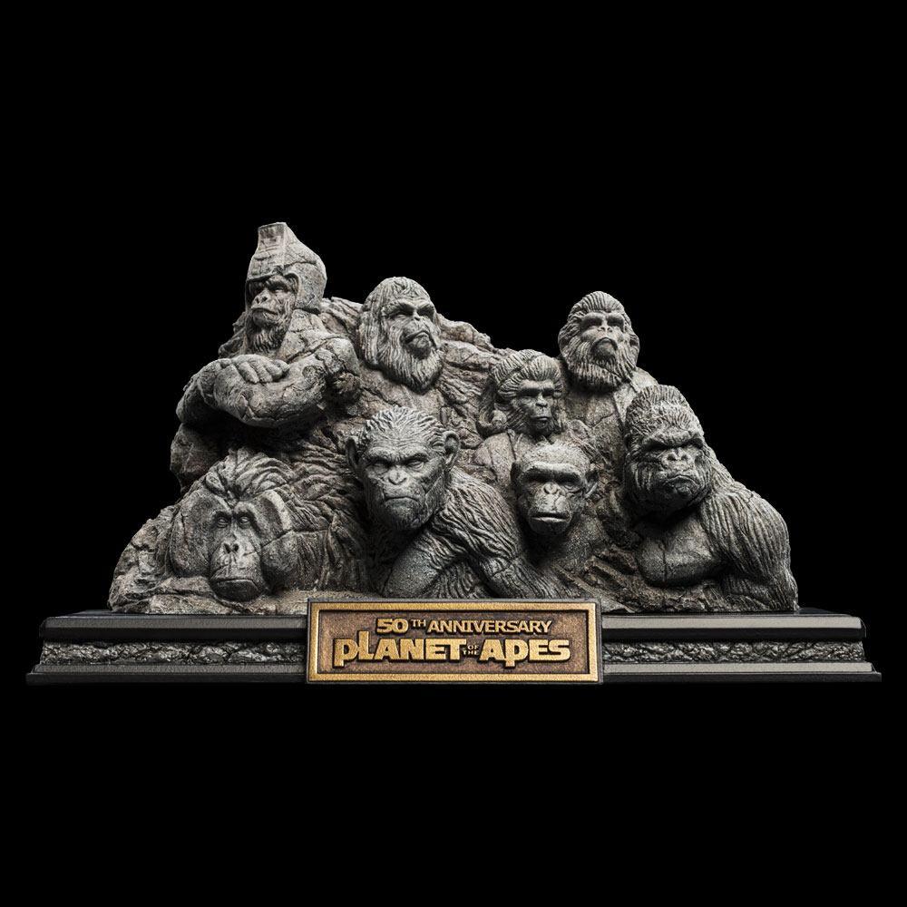 Photo du produit La Planète des singes statuette Apes Through the Ages 29 cm