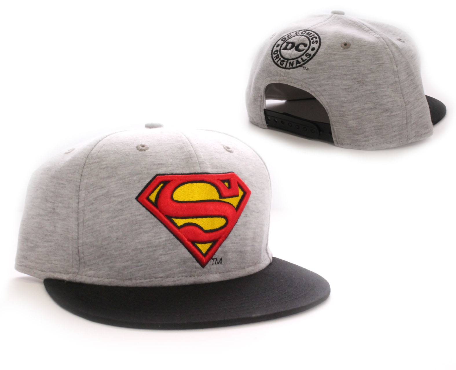 Photo du produit CASQUETTE BASEBALL SUPERMAN VINTAGE LOGO GREY