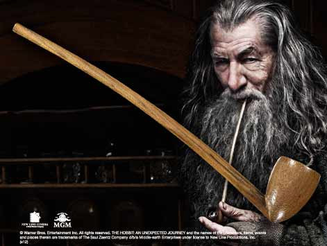 Photo du produit LE HOBBIT UN VOYAGE INATTENDU REPLIQUE 1/1 PIPE DE GANDALF 23 CM