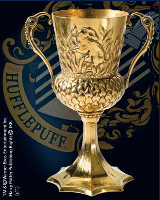 Photo du produit HARRY POTTER REPLIQUE LA COUPE DE HELGA HUFFLEPUFF