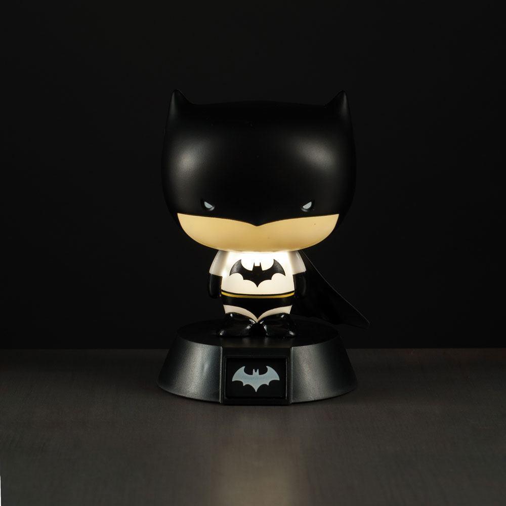 Photo du produit DC COMICS VEILLEUSE 3D BATMAN 10 CM