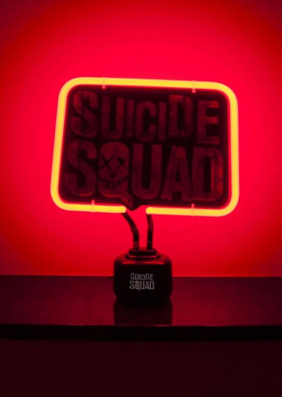 Photo du produit LAMPE NEON SUICIDE SQUAD LOGO 33 X 20 CM