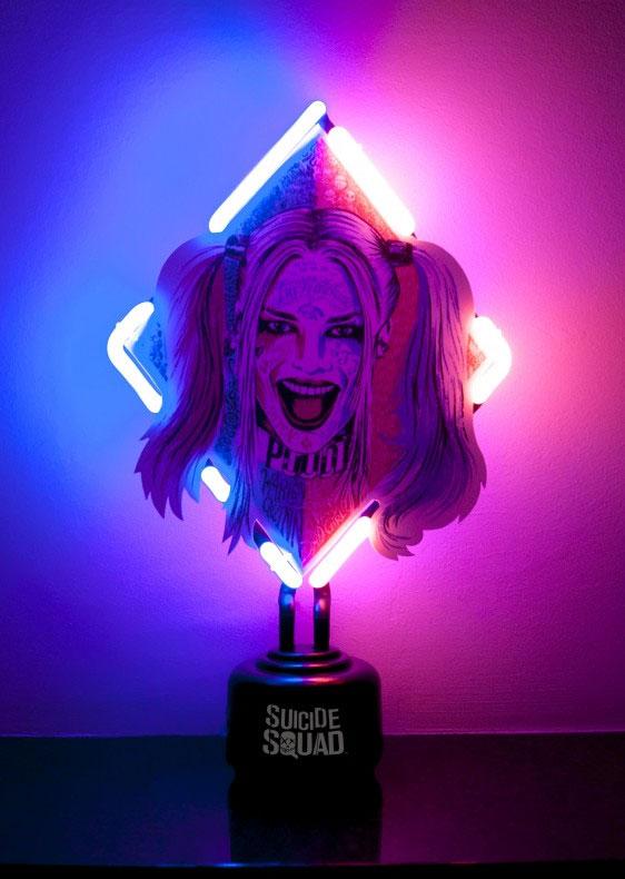 Photo du produit SUICIDE SQUAD LAMPE NEON HARLEY QUINN 33 X 20 CM