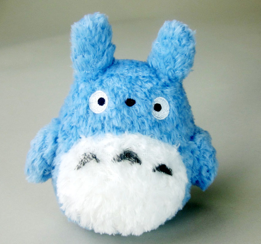 Photo du produit STUDIO GHIBLI PELUCHE FLUFFY MEDIUM TOTORO 14 CM