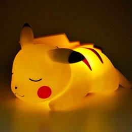 Photo du produit LAMPE LED 3D PIKACHU ENDORMI POKEMON Photo 1