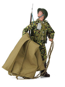 Photo du produit FIGURINE ACTION MAN 50TH ANNIVERSARY PARATROOPER 30 CM Photo 1