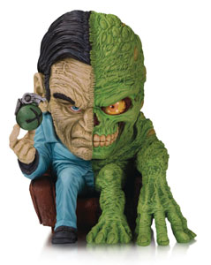 DC ARTISTS ALLEY FIGURINE TWO-FACE BY JAMES GROMAN 18 CM