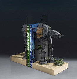 STAR WARS SERRE-LIVRES AT-ACT 30 CM