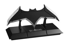JUSTICE LEAGUE RÉPLIQUE 1/1 BATARANG