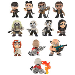 Photo du produit MYSTERY MINI MAD MAX FURY ROAD 12 FIGURINES + PRESENTOIR Photo 1