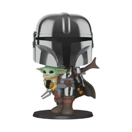 STAR WARS THE MANDALORIAN SUPER SIZED POP! FIGURINE THE MANDALORIAN HOLDING THE CHILD 25 CM