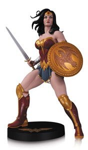 DC DESIGNER SERIES STATUETTE WONDER WOMAN BY FRANK CHO 1/6