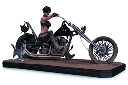 CATWOMAN DELUXE STATUE GOTHAM GARAGE CATWOMAN