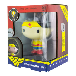 Photo du produit DC COMICS VEILLEUSE 3D WONDER WOMAN 10 CM Photo 1
