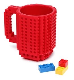 BUILD ON BRICK MUG ROUGE