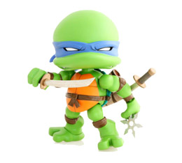 LES TORTUES VINYL FIGURINE LEONARDO REGULAR
