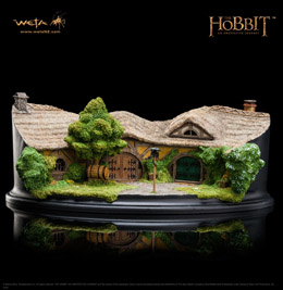 LE HOBBIT UN VOYAGE INATTENDU STATUETTE THE GREEN DRAGON INN 9 CM